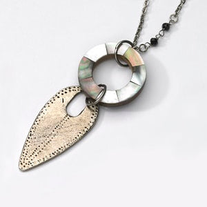 Mother-of-pearl and Spearhead Necklace