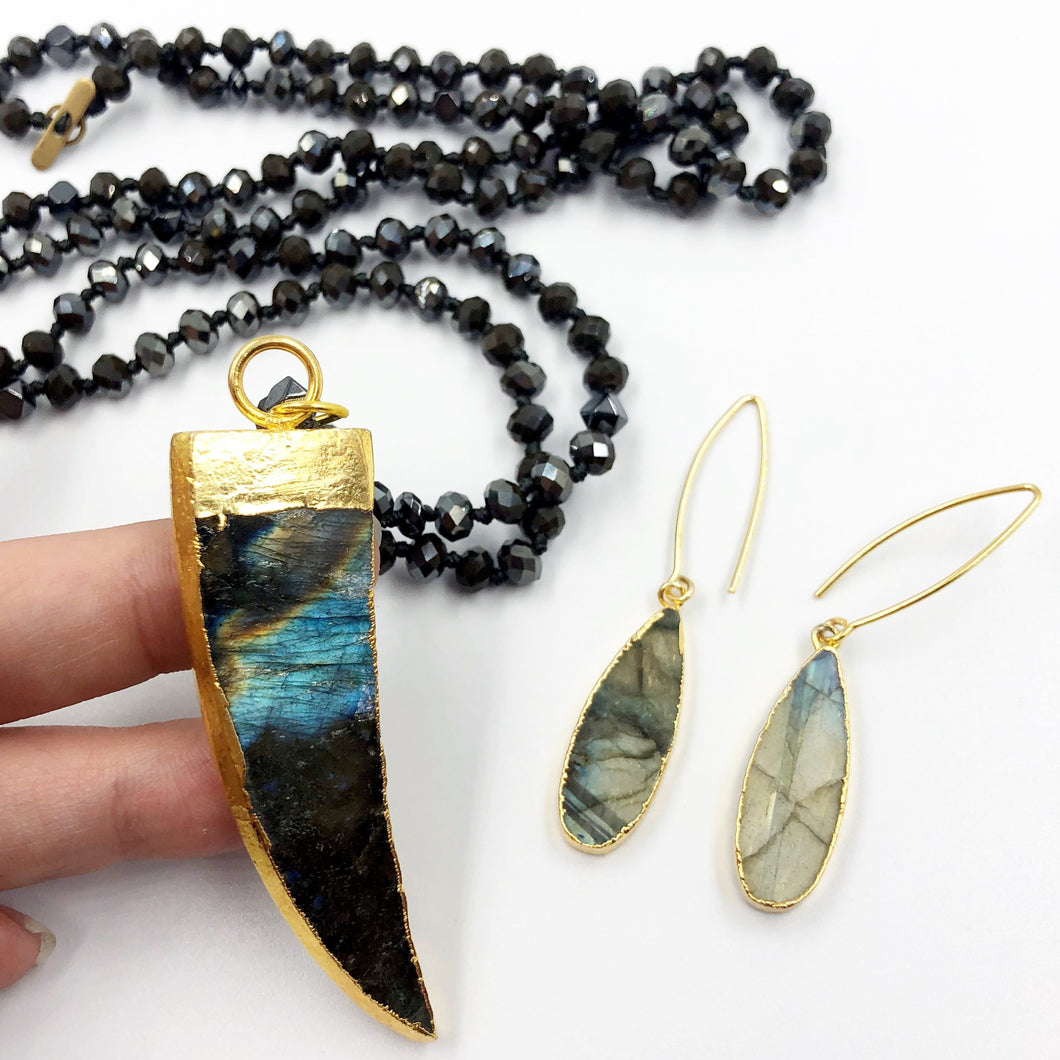 Labradorite Tusk Necklace with Labradorite Drop Earrings