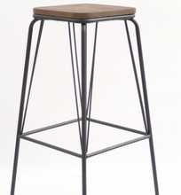 Load image into Gallery viewer, Z92 – REPLICA WIRE BARSTOOL