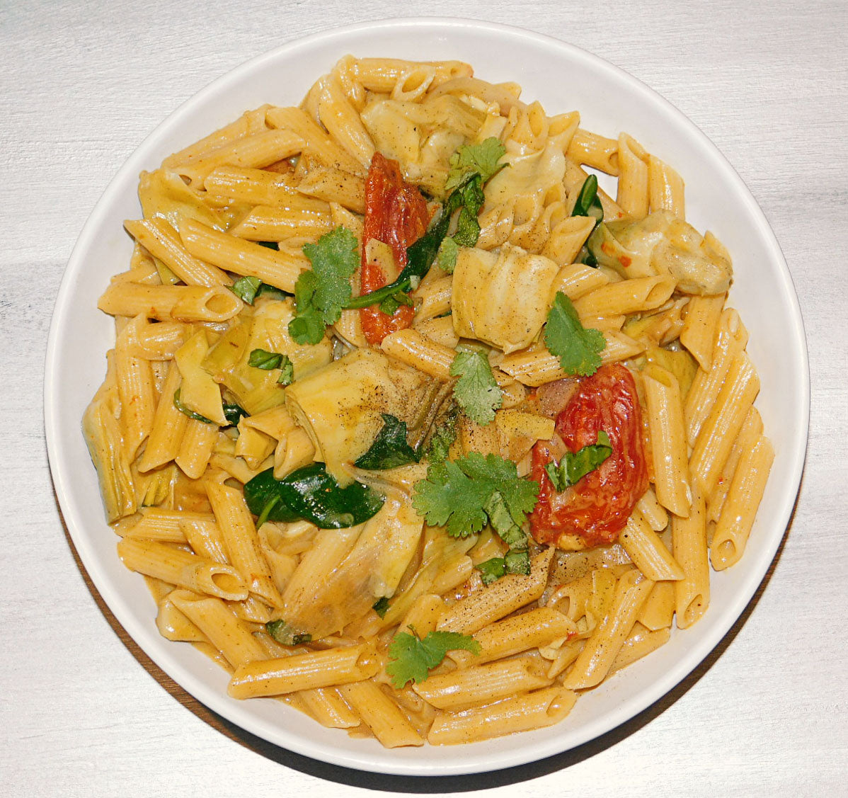 Creamy Artichoke and Sun-dried Tomato Pasta
