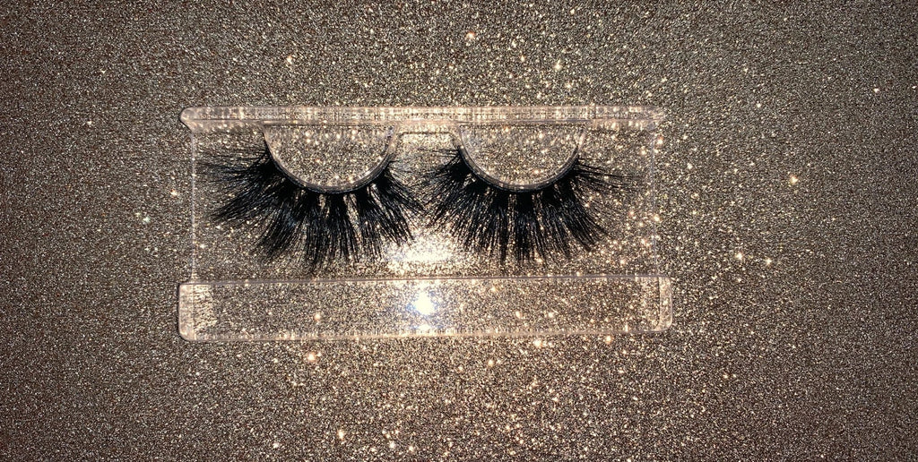 Royalty Lash Style 22 MM