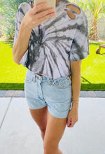 Load image into Gallery viewer, DISTRESSED CROPPED T-SHIRT