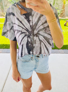 DISTRESSED CROPPED T-SHIRT
