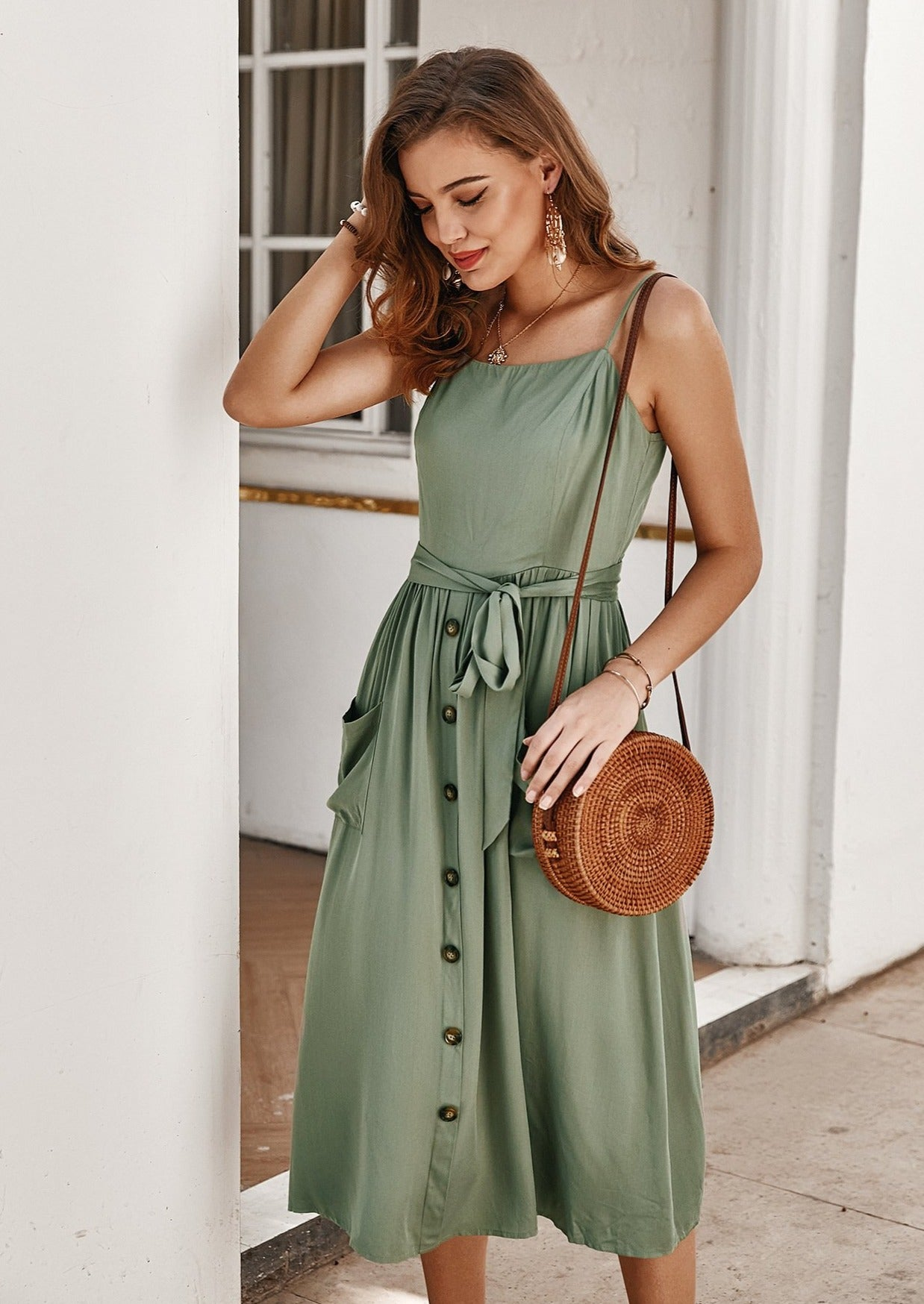 women-midi-dress-casual-summer-outfit-ideas