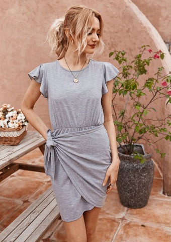 women-mini-dress-summer-outfit-minimalism