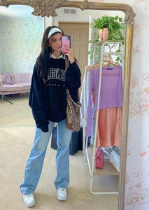 Los Angeles Casual Sweatshirt Outfits_august lemonade