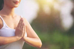 How to breathe to coordinate with asanas when practicing yoga?