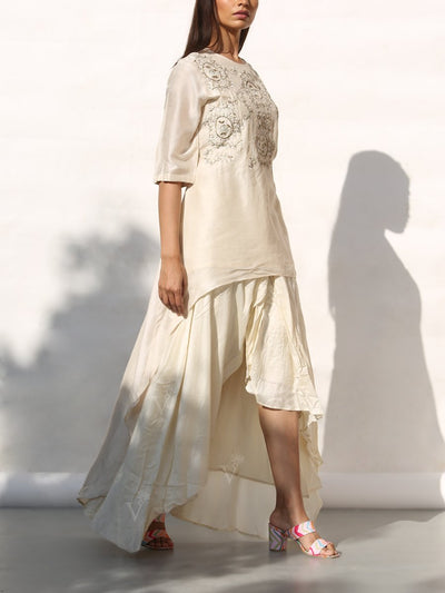 Off white Embroidered Kurta With Asymmetric Skirt