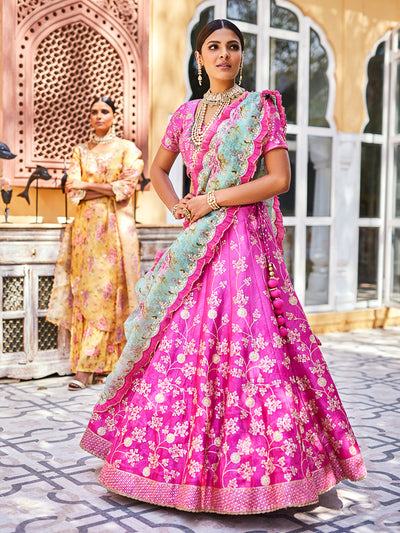 Lehenga, Lehengas, Lahanga, Lahenga, Lehenga set, Ghaghra choli, Chaniya choli, Traditional wear, Traditional, Traditional outfit, Printed, Highlighted, Lightweight, Navratri, Navratra, Gota patti, Gota patti lehenga, Floral printed, Organza, Silk, Silk lehenga, DD45, B2
