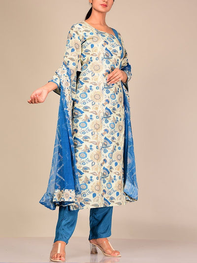 Off White Silk Blend Kurta Set With Contrast Dupatta
