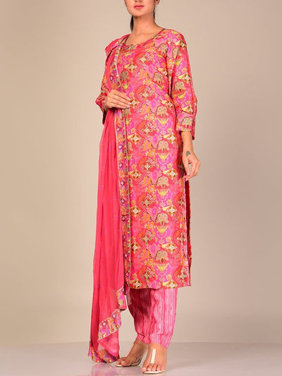 Coral Silk Blend Kurta Set With Chiffon Dupatta