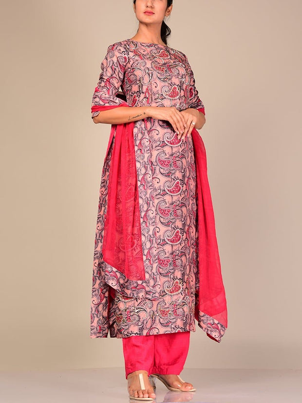 Grey Silk Blend Kurta Set With Contrast Dupatta