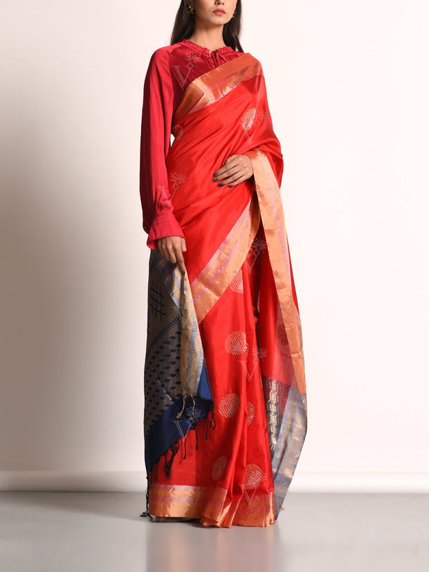 Saree, Sarees, Banarasi silk, Silk saree, Handloom, Weaving, Traditional outfit, Traditional wear, Traditional, Party wear, Silk sarees
