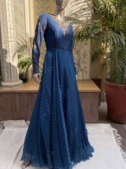 Anarkali, Anarkalis, Gown, Gowns, Traditonal, Traditional wear, Traditional outfit, Flowy, Silk, Silk gown, Leheriya, Rajasthani, Jaipuri