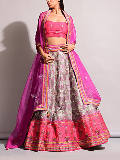Lehenga, Printed, Lehenga set, Choli, Navratri lehenga, Zari work, Sequence work, Party wear, Designer wear, Bandhani, Bandhej