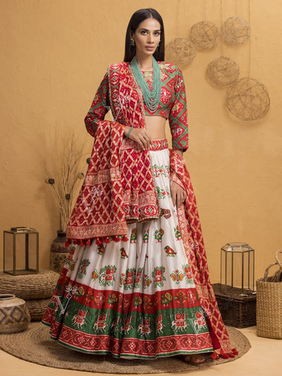 Lehenga, Lehengas, Navratri, Navratra, Traditional Outfit, Traditional Wear, Silk, Printed, Handcrafted, Patola, Ombre, Shaded, Real Zari