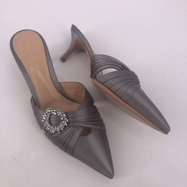 40 Gianvito Rossi satin slipon shoes