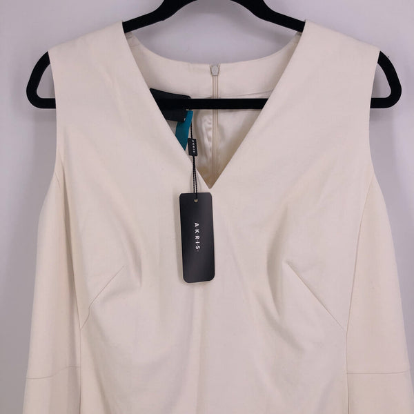 Sz 14 cream s/less v/neck dress