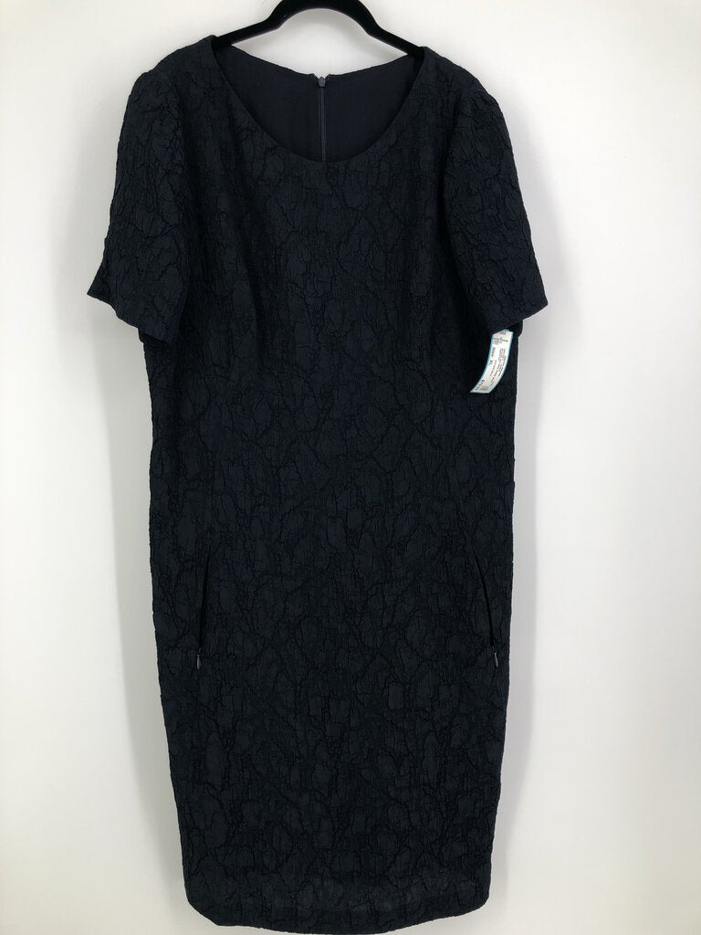 Sz L/XL s/s navy krinkle dress