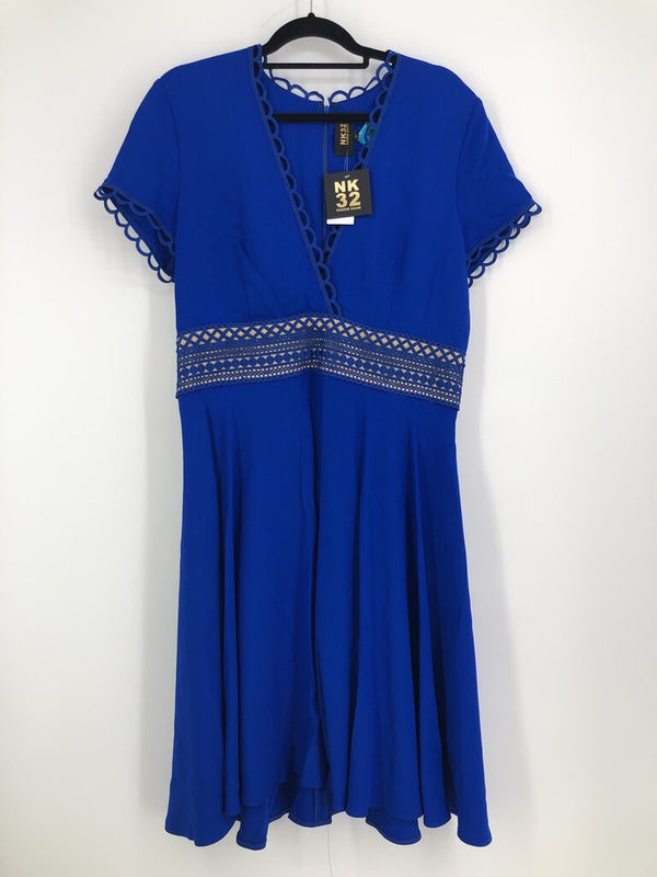 Sz 16 s/s v-neck dress