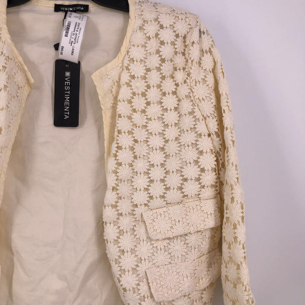 Sz  L  Nwt  crochet lace jacket