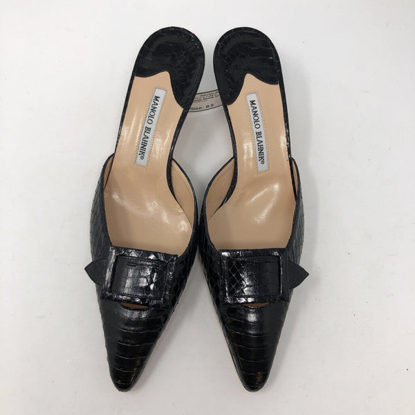 Manolo Blahnik SZ 40.5 heels with bows