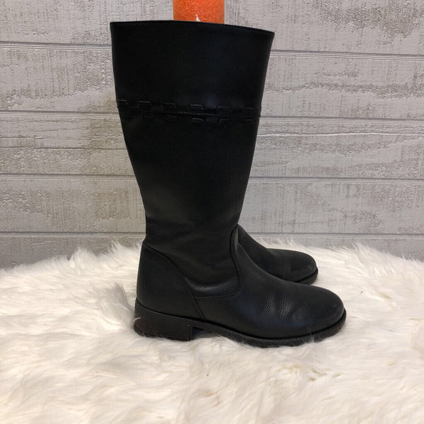 SZ 7M side zip tall boots