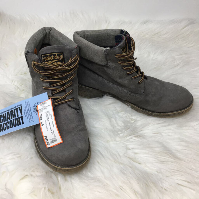 Sz 8.5 lace up hiking boots