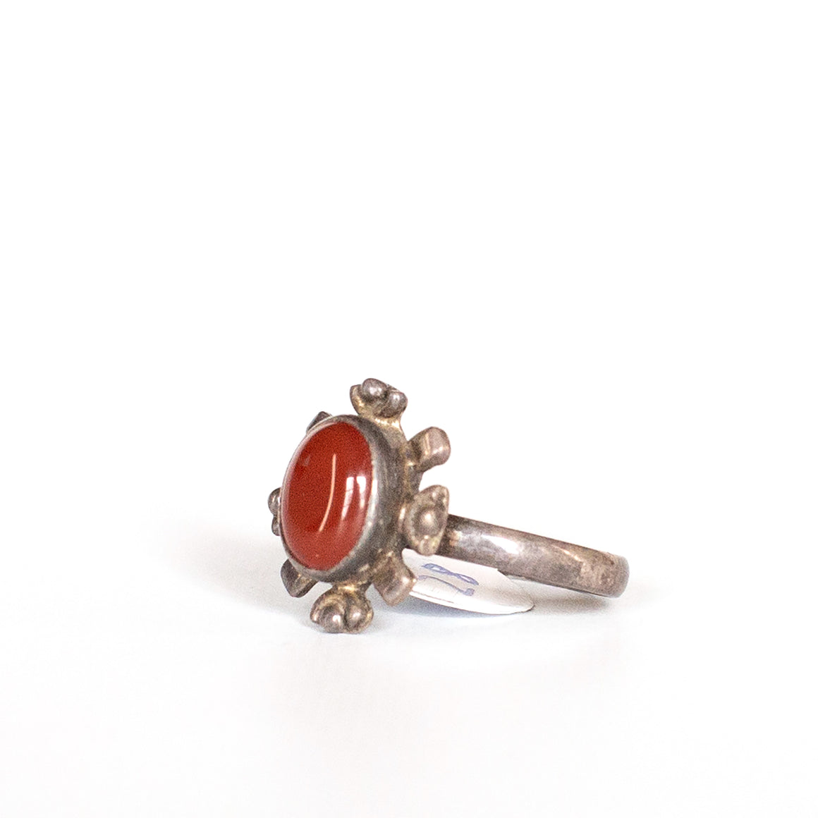 VINTAGE JEWELRY | STERLING CORAL RING (SIZE 6)