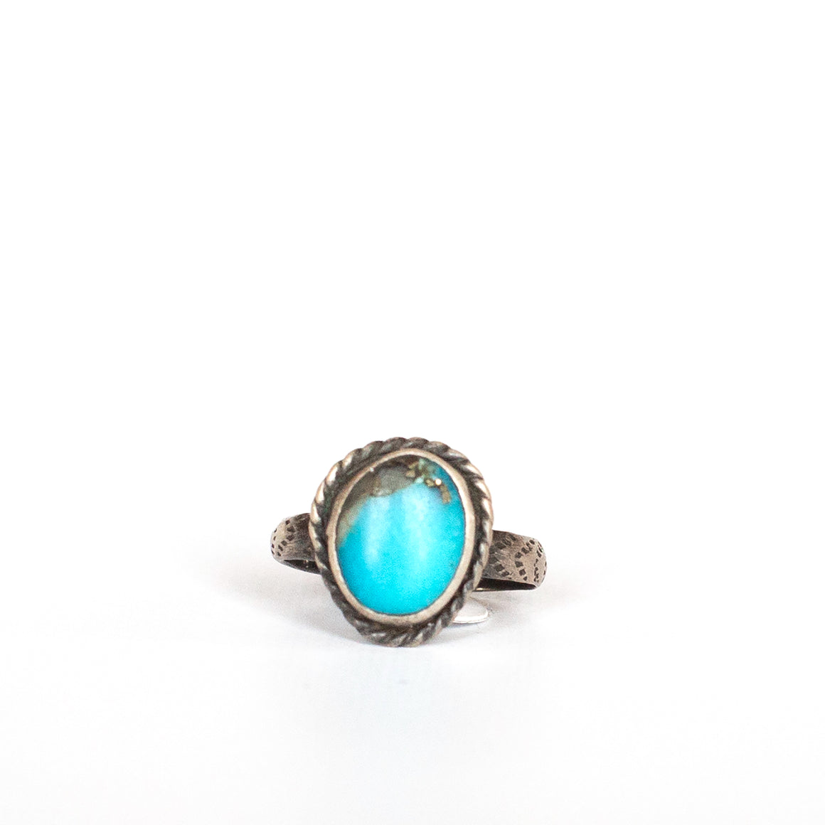VINTAGE JEWELRY | STERLING TURQUOISE RING (SIZE 4.5)