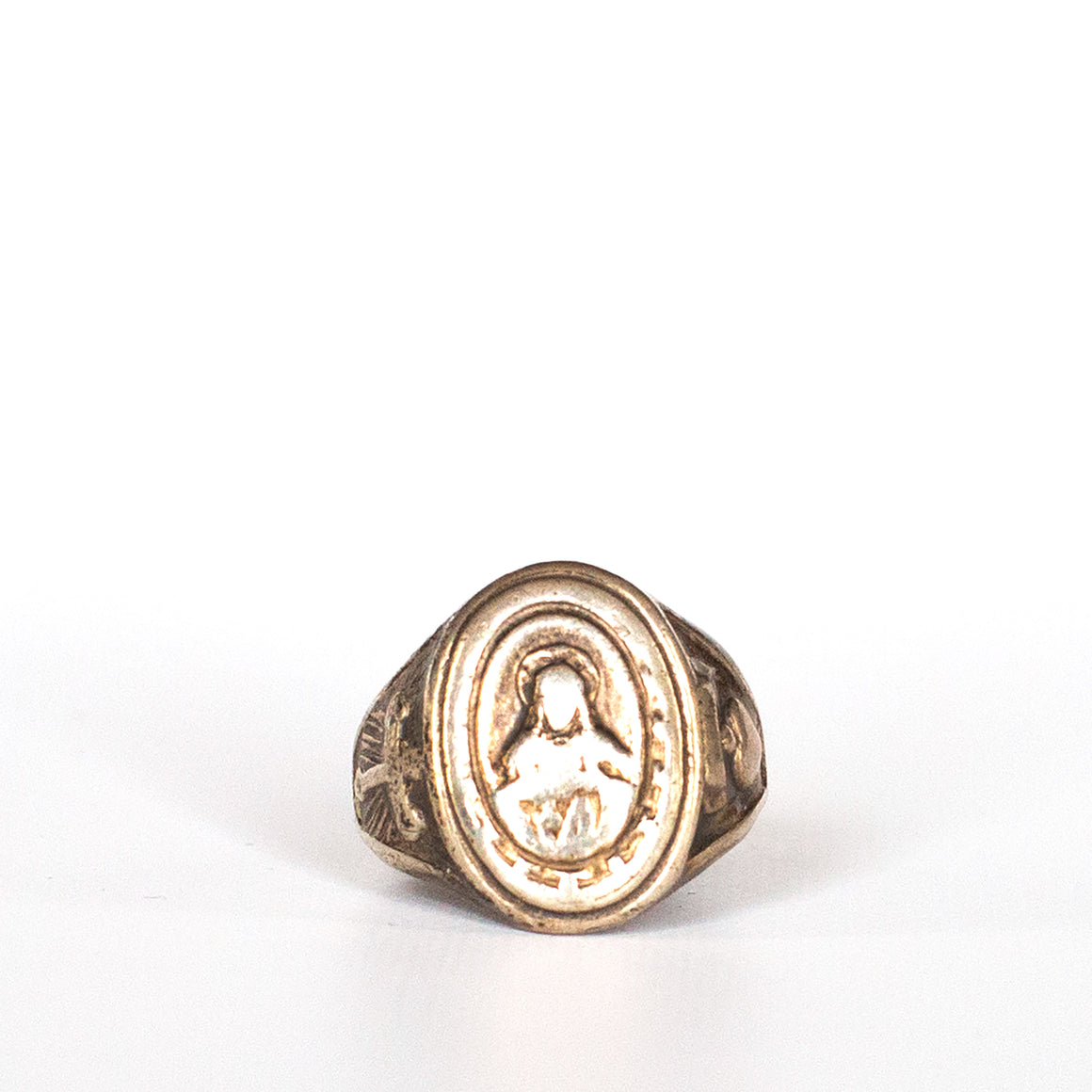 VINTAGE JEWELRY | STERLING RELIGIOUS RING (SIZE 6.5)