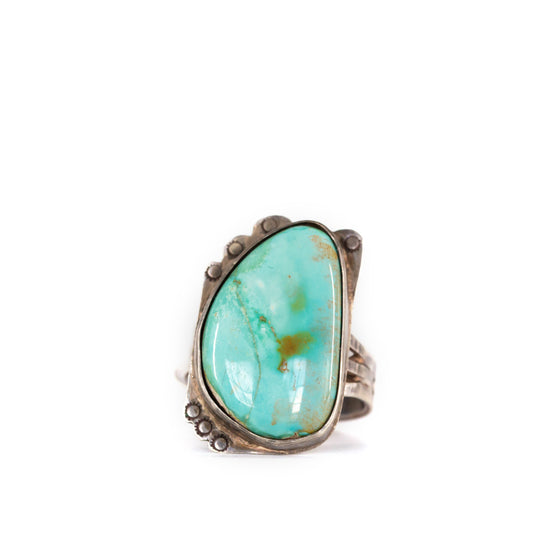 VINTAGE JEWELRY | OVERSIZED TURQUOISE STERLING RING (SIZE 9.5)