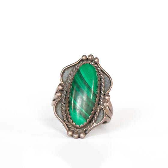 VINTAGE JEWELRY | MALACHITE STERLING RING (SIZE 8)