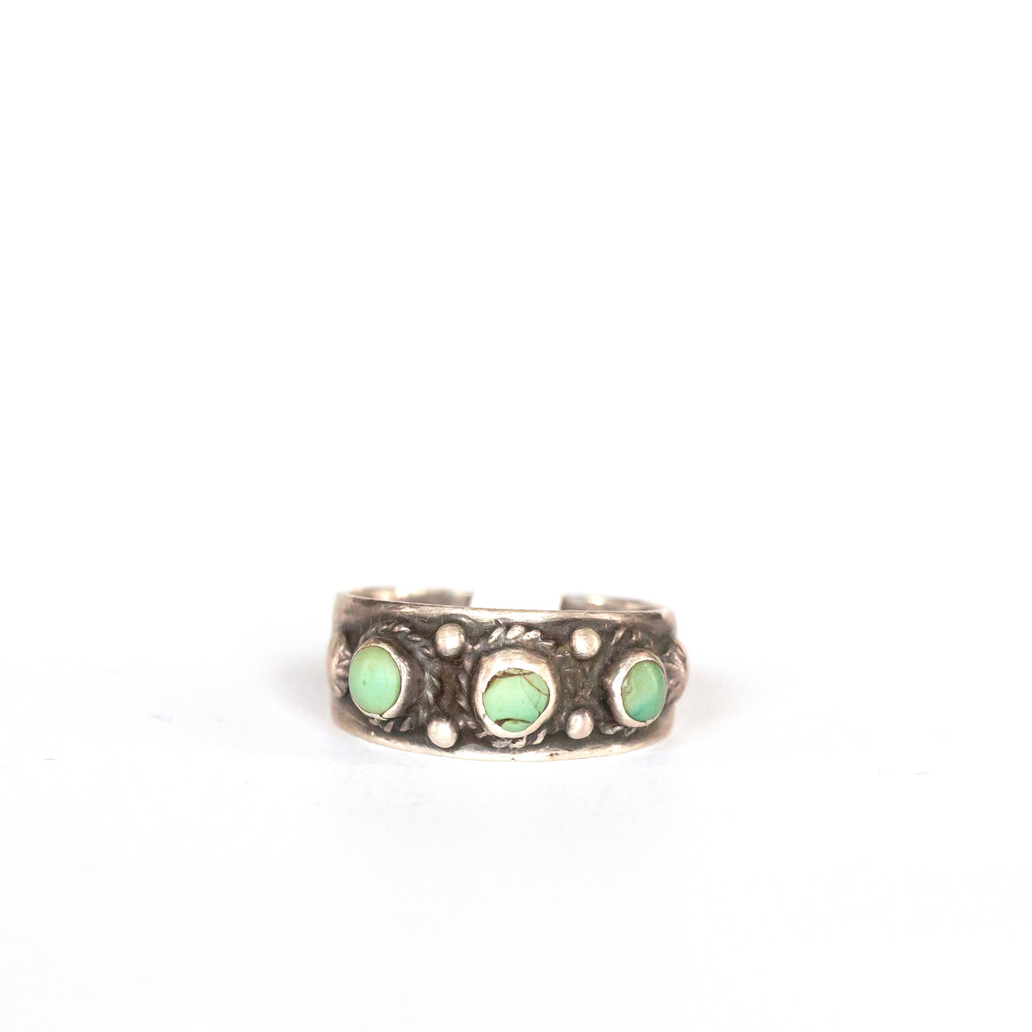 VINTAGE JEWELRY | TURQUOISE STERLING RING (SIZE 6)