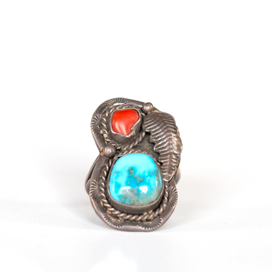 VINTAGE JEWELRY | TURQUOISE & CORAL STERLING RING (SIZE 7)