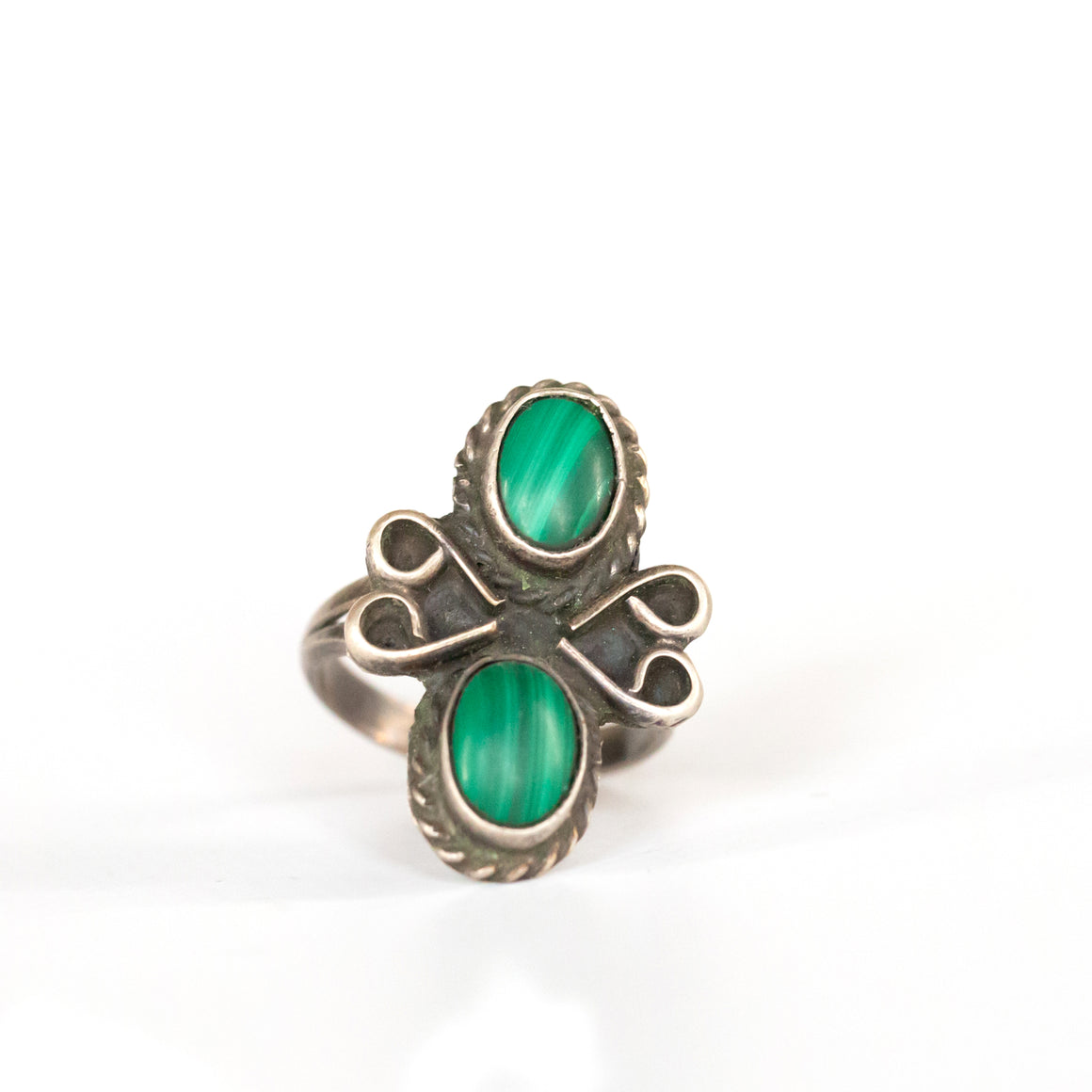 VINTAGE JEWELRY | MALACHITE STERLING RING (SIZE 5.5)