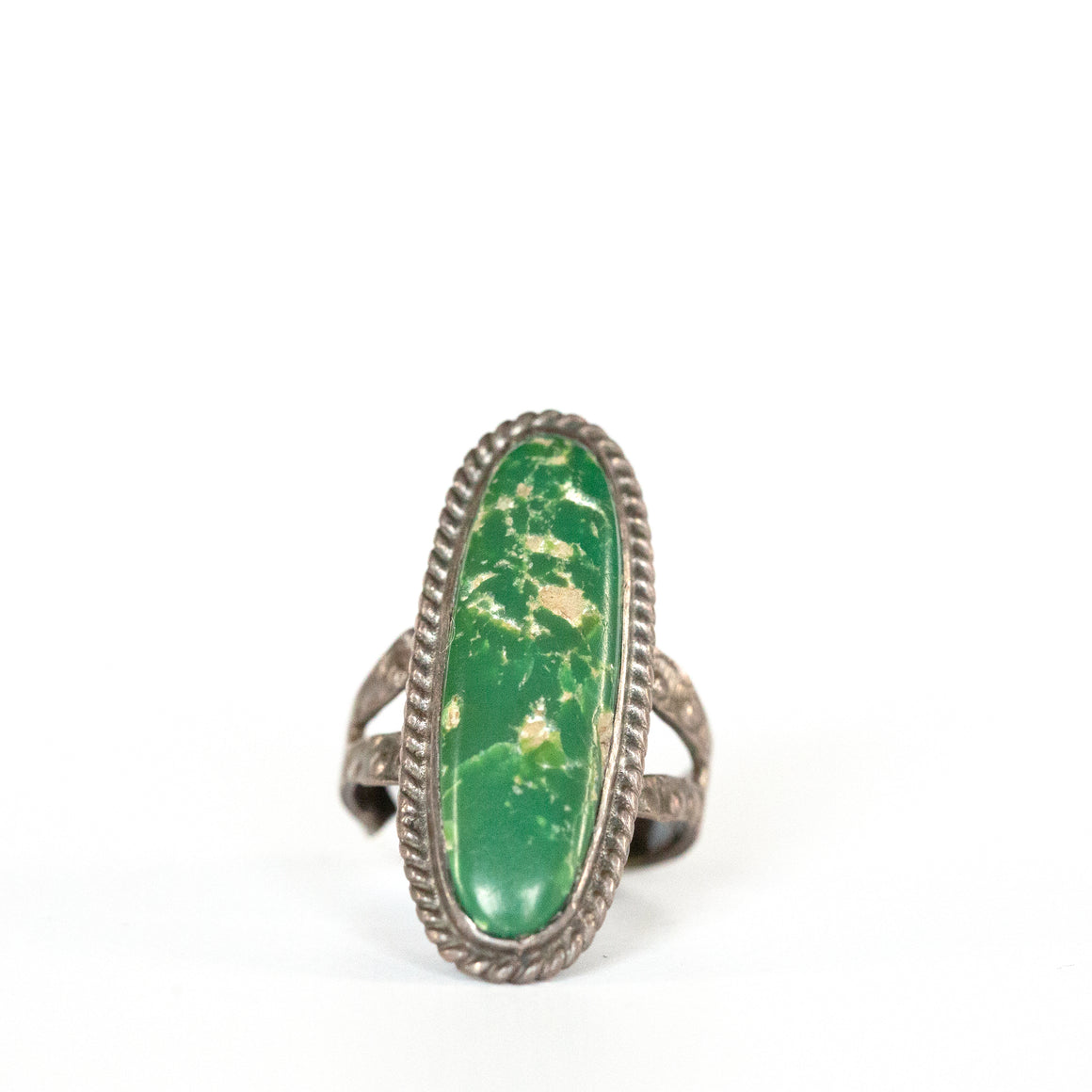 VINTAGE JEWELRY | STERLING GREEN STONE RING (SIZE 5)