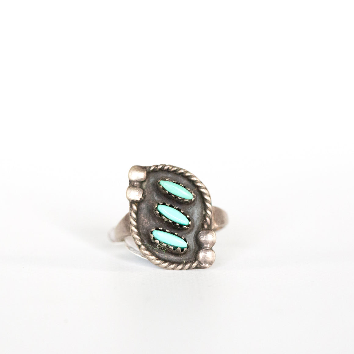 VINTAGE JEWELRY | MINI NEEDLEPOINT TURQUOISE STERLING RING (SIZE 6.5)