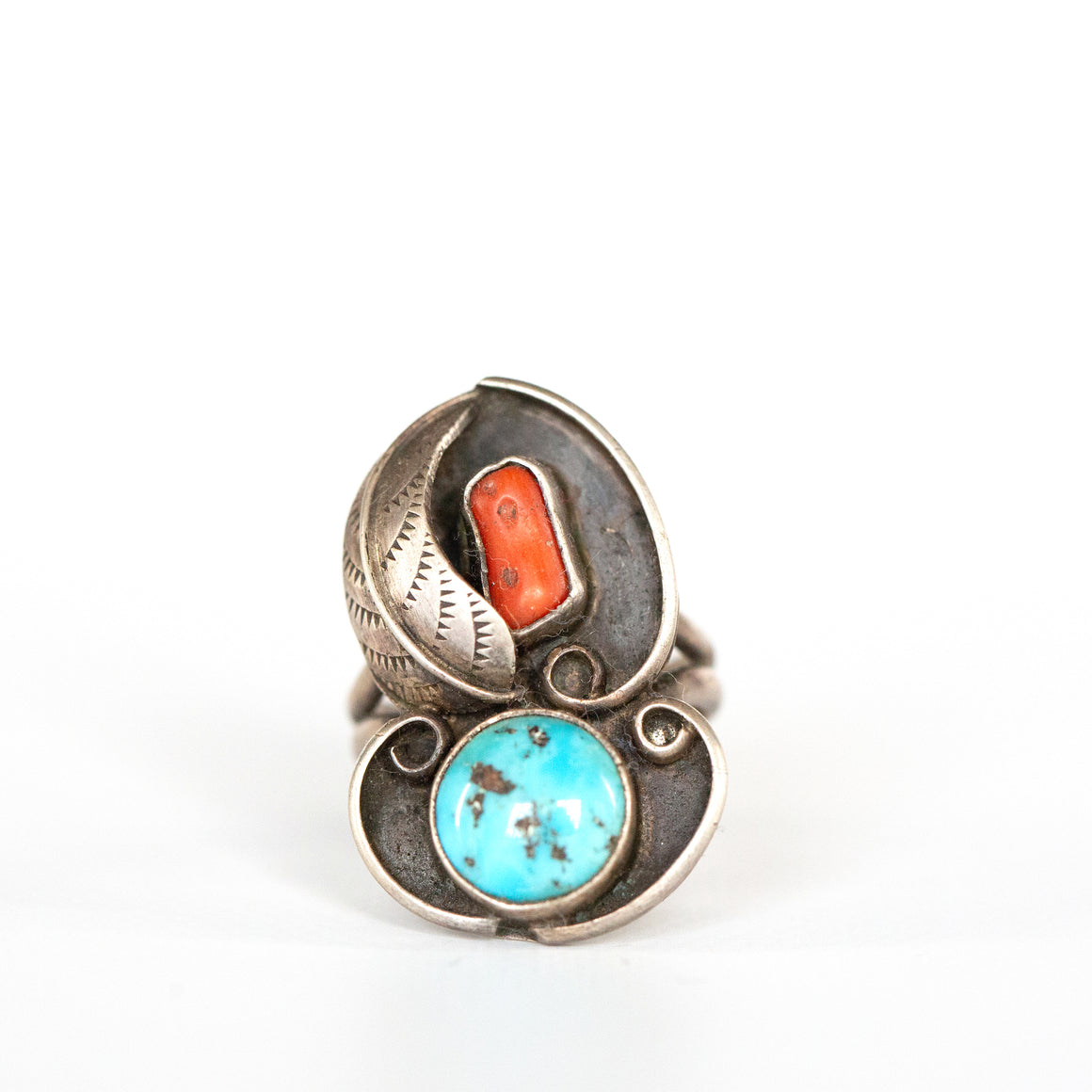 VINTAGE JEWELRY | TURQUOISE & CORAL STERLING RING (SIZE 6)