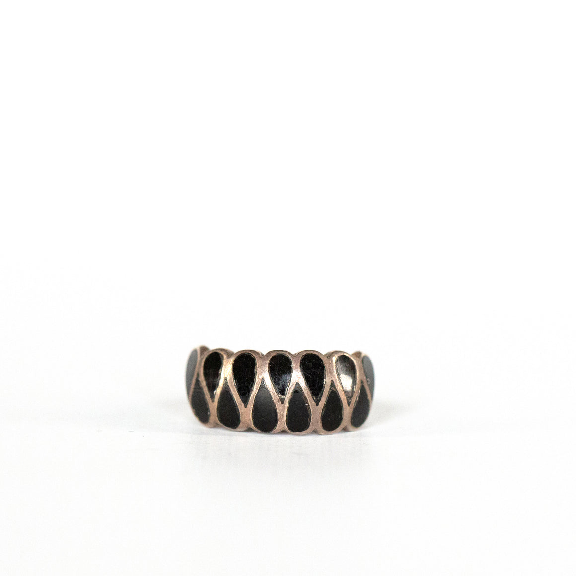 VINTAGE JEWELRY | LITTLE BLACK STERLING RING (SIZE 4)