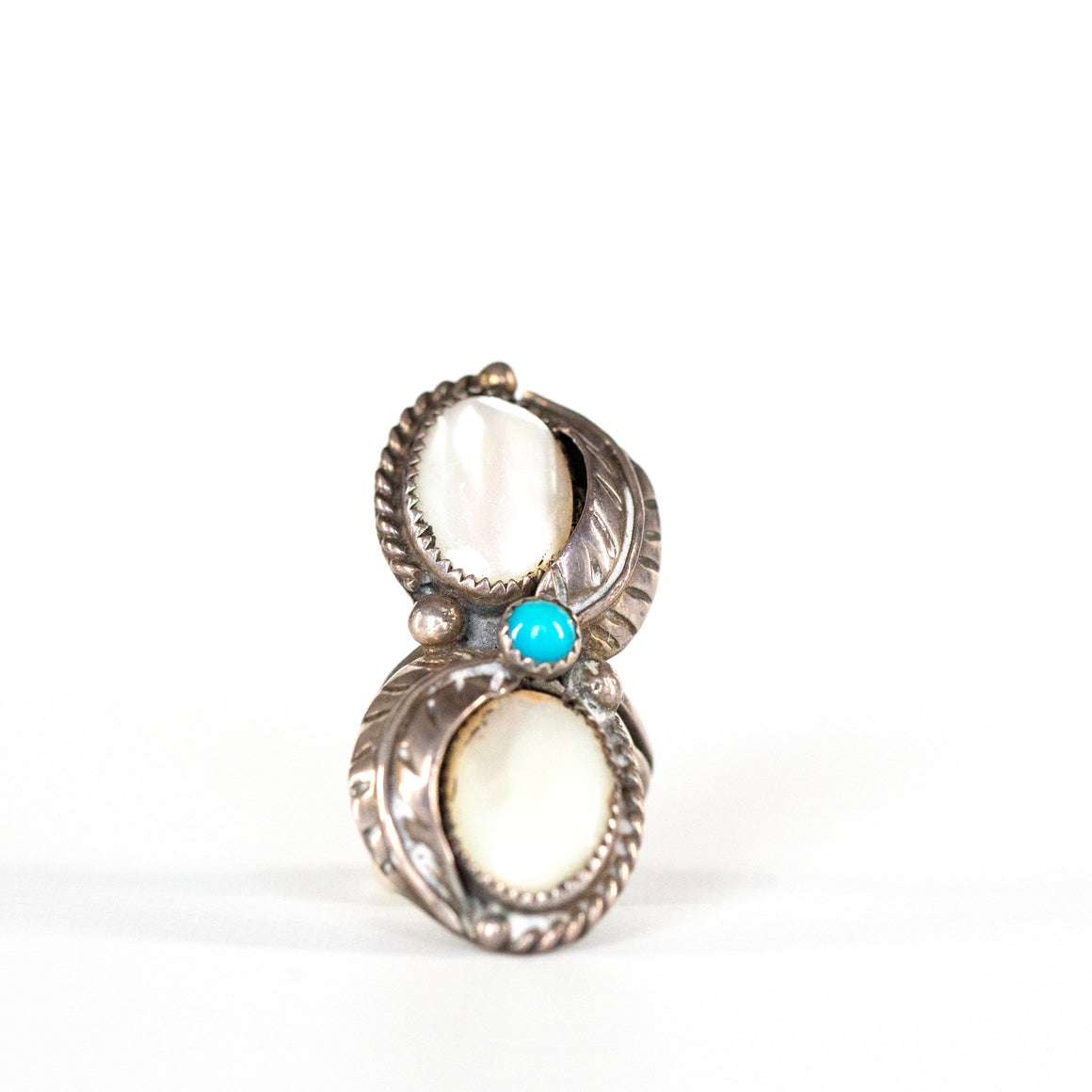 VINTAGE JEWELRY | MOTHER OF PEARL & TURQUOISE STERLING RING (SIZE 4.75)