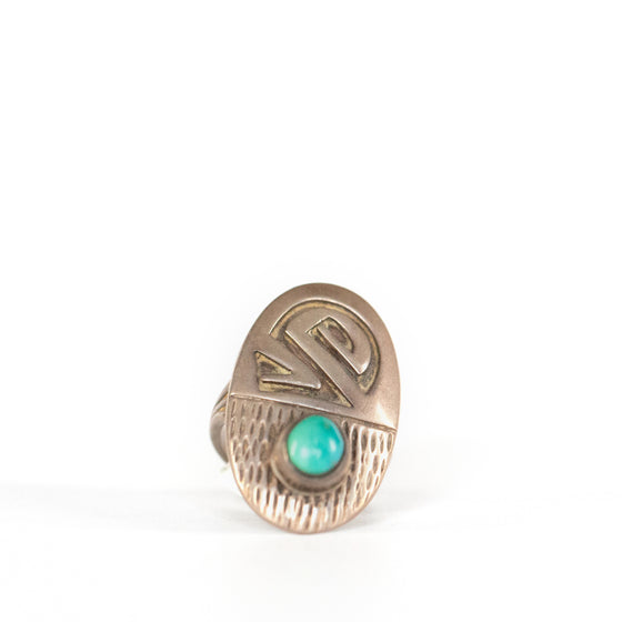 VINTAGE JEWELRY | STERLING TURQUOISE NATIVE RING (SIZE 6)