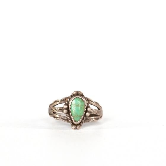 VINTAGE JEWELRY | FRED HARVEY STERLING TURQUOISE RING (SIZE 5.5)