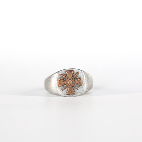 VINTAGE JEWELRY | CRUSADER MEN'S RING (SIZE 12)