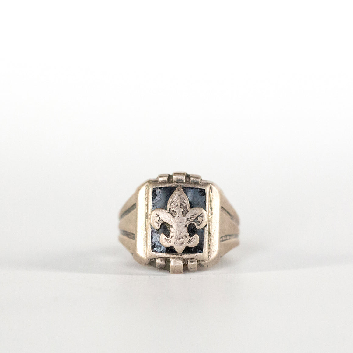 VINTAGE JEWELRY | STERLING BOY SCOUTS RING (SIZE 9.5)