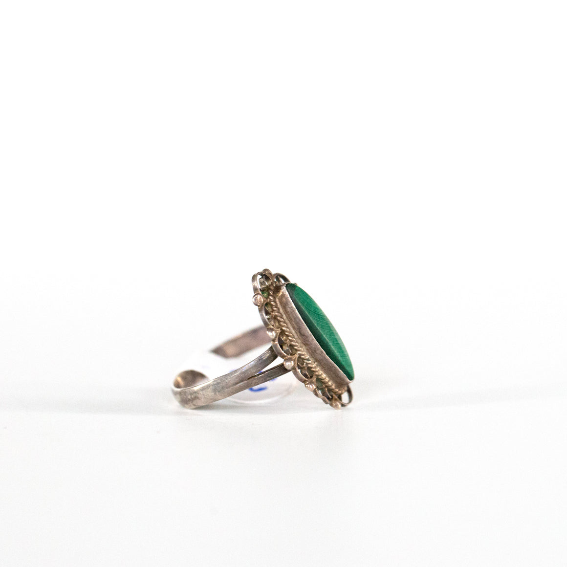 VINTAGE JEWELRY | STERLING MALACHITE RING (SIZE 7.5)