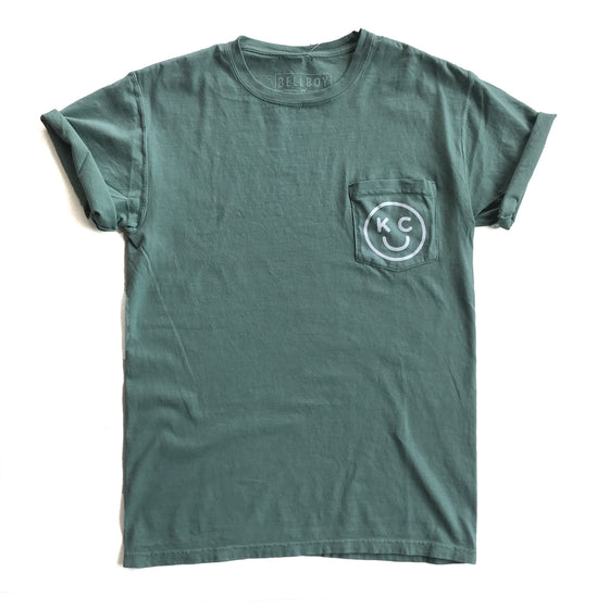 BELLBOY | KC SMILEY POCKET T-SHIRT - CYPRESS GREEN