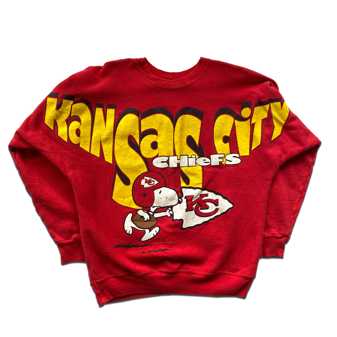 WESTSIDE STOREY VINTAGE | GARMENT GRAPHICS KC CHIEFS SNOOPY SPELL OUT SWEATSHIRT