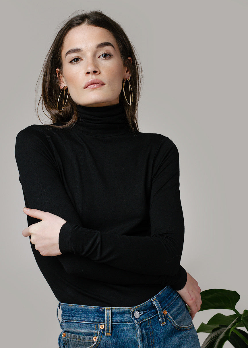 MARA TURTLENECK - BLACK