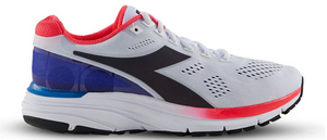 PRODUCT REVIEW: DIADORA MYTHOS BLUSHIELD 5